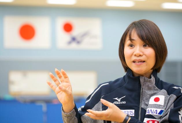 女子初の2年連続3冠達成!伊藤美誠を強い選手に育てた母ってどんなコーチなの? | Monbre