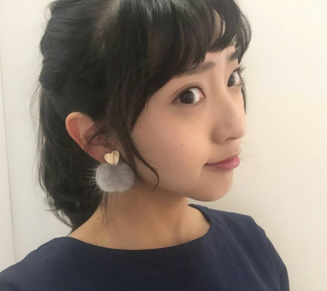 清潔感と品のあるお嬢様風の藤本万梨乃画像