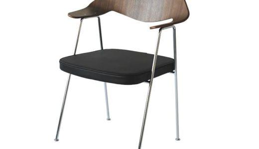 紐倉の部屋のテーブルと椅子のセット