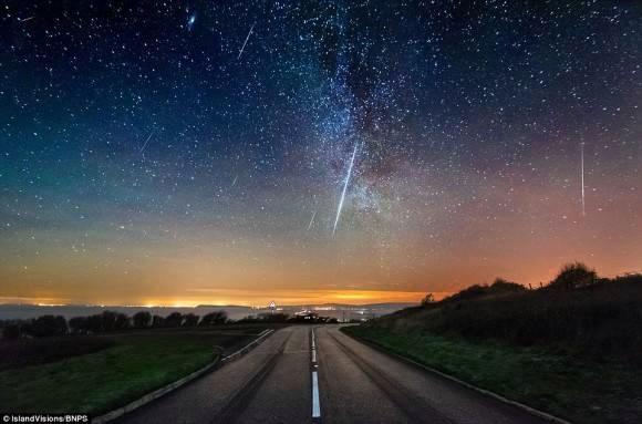 ヨーロッパのふたご座流星群1時間に100個の流星