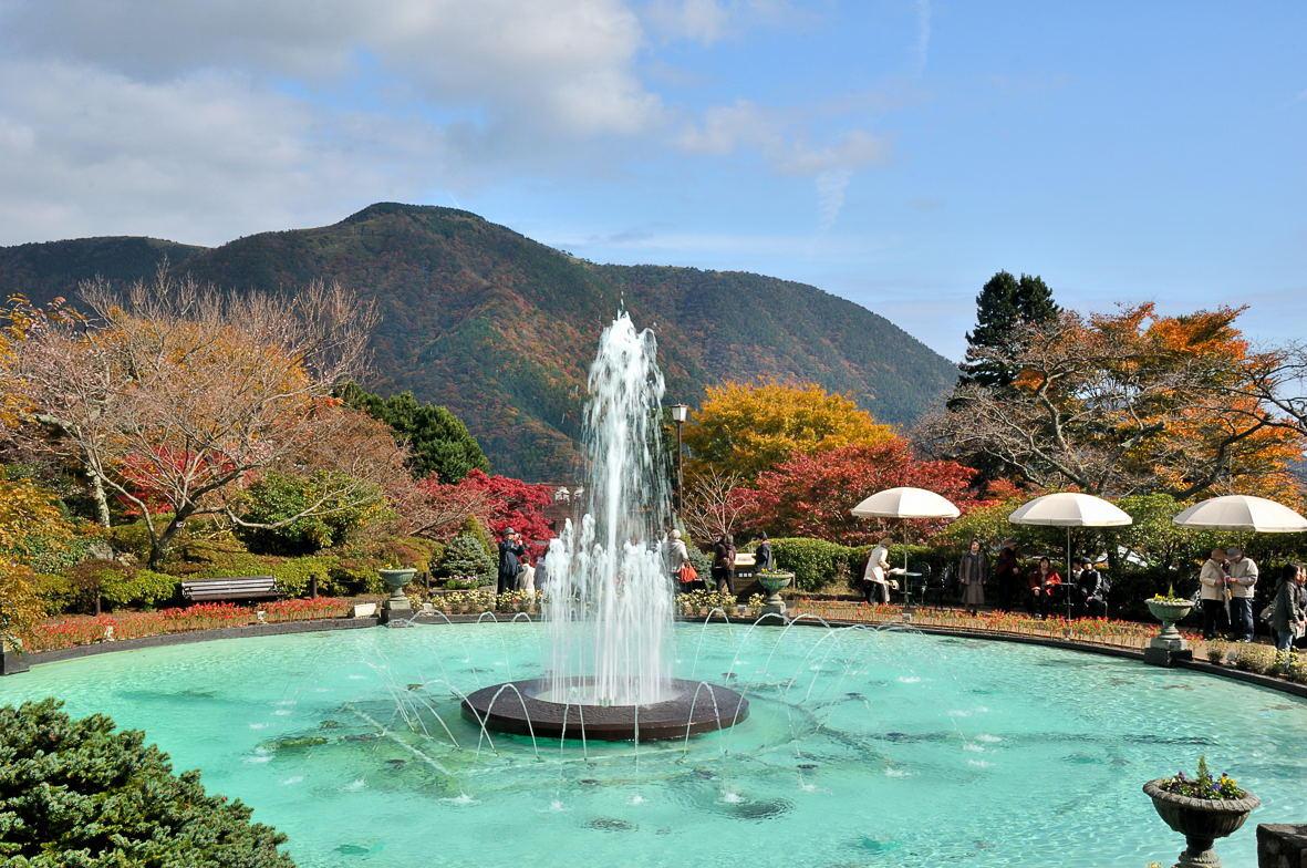 箱根強羅公園の噴水が原作漫画にでてくる