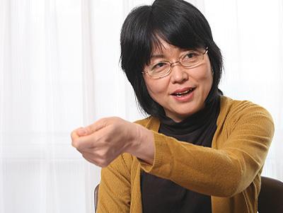 鵜飼裁判長の裁判に対して意義を唱える江川紹子さん