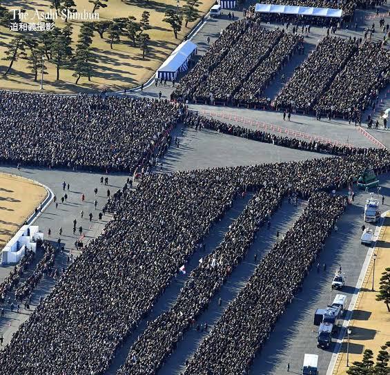 5月4日の一般参賀の混雑は15万人以上とされる。