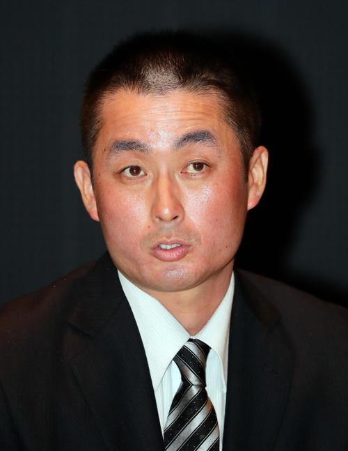 岩手県大船渡高校野球部の國保陽平監督