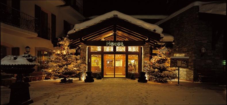 カトパンとNAOTOがスイスに婚前旅行にいって宿泊した五つ星ホテル