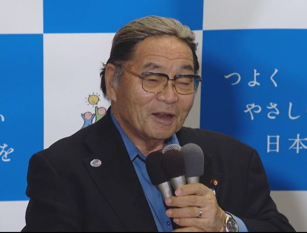 北村誠吾初入閣発表後、カツラだヅラだと世間が騒ぐ