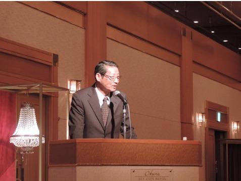 最注目選手のマイケルノーマンのルーツは日本人の母親で高校時代に陸上のコーチをしていた高田監督