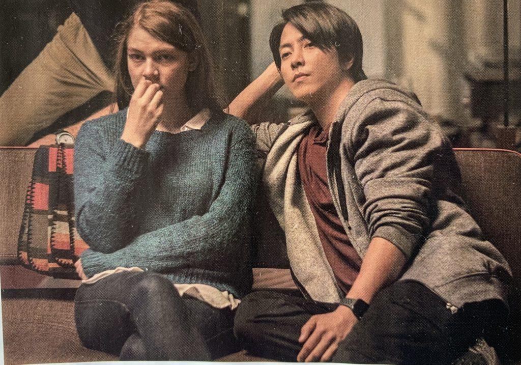 the headで山下智久演じるアキの恋人のマギーミッチェルがお互い惹かれあっていくシーンは見どころです。