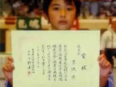 吉沢亮の兄弟の年齢と名前を知りたい!イケメンなのかも調べてみた